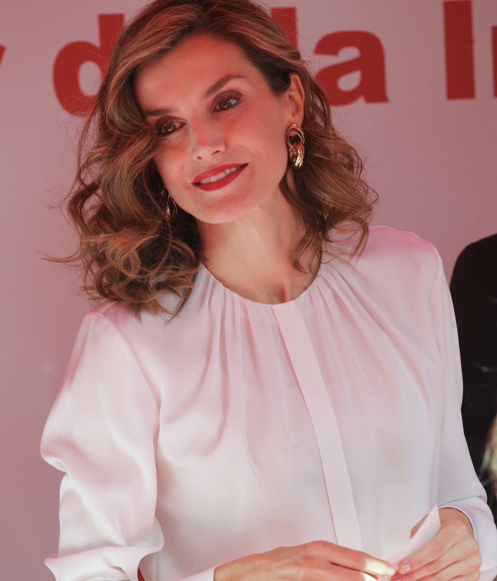 La Reina Letizia durante el Día de la Banderita