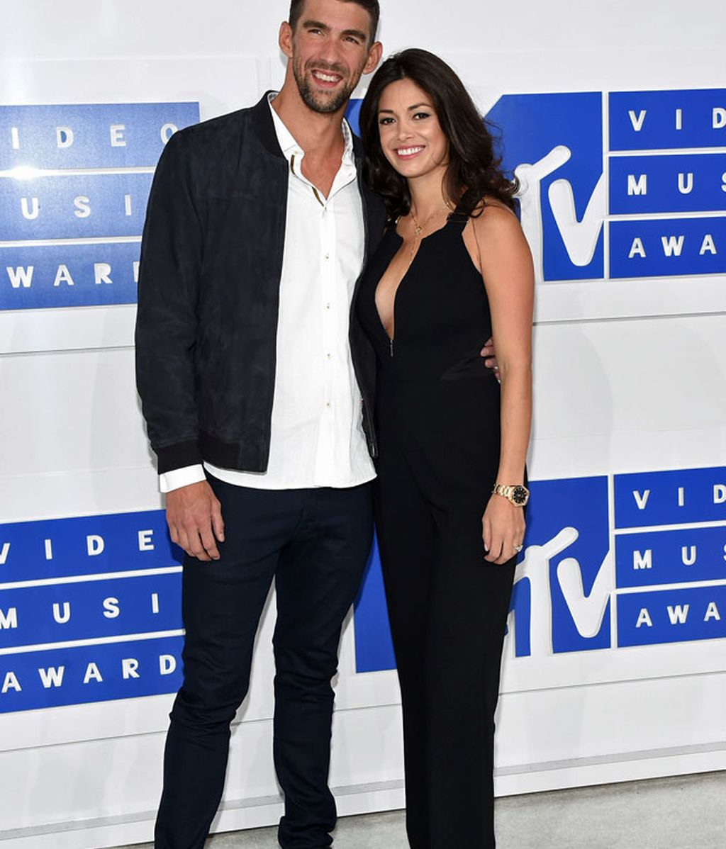 Michael Phelps y Nicole Johnson en los 'MTV MVA' en Madison Square