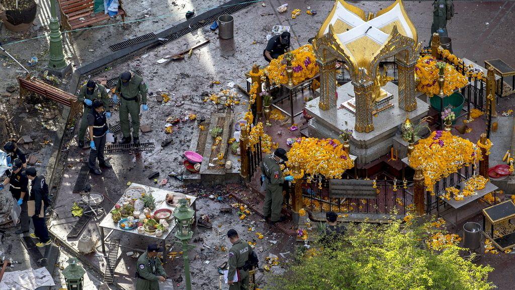 Decenas de muertos por la explosión de una bomba en el centro de Bangkok