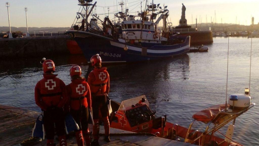 Aparece flotando en aguas del Puerto de Santurtzi (Vizcaya) el cadáver de un hombre