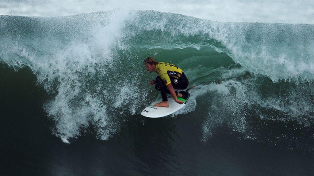 El campeón del mundo, John Florence, en la final de la World Surf League