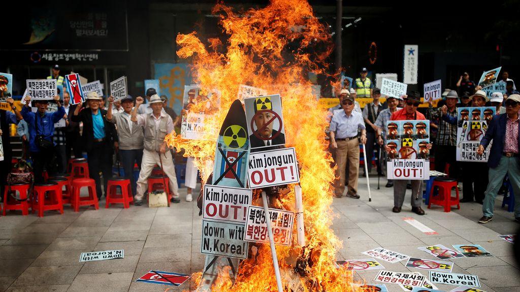 Kim Jong, pasado por el fuego
