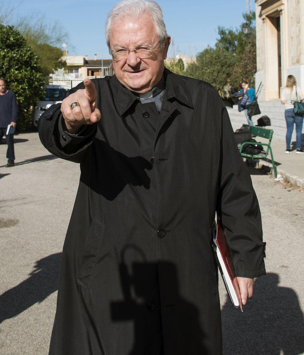 El Papa sustituye al obispo de Valencia por su relación sentimental