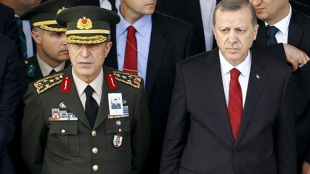 Resultado de imagen para Erdogan  y su comandante en jefe
