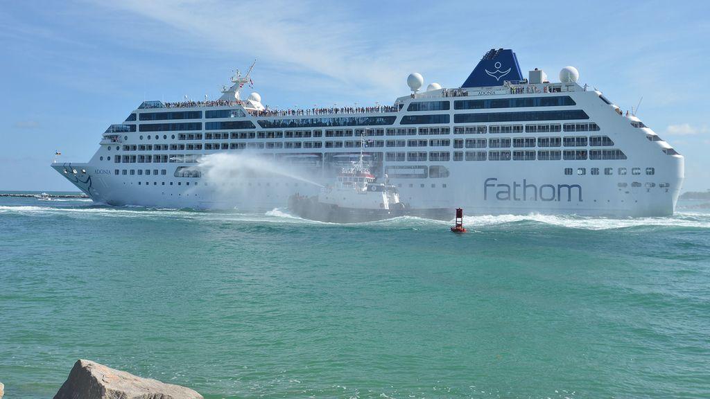 Zarpa de EEUU un crucero con destino a Cuba por primera vez en más de 50 años