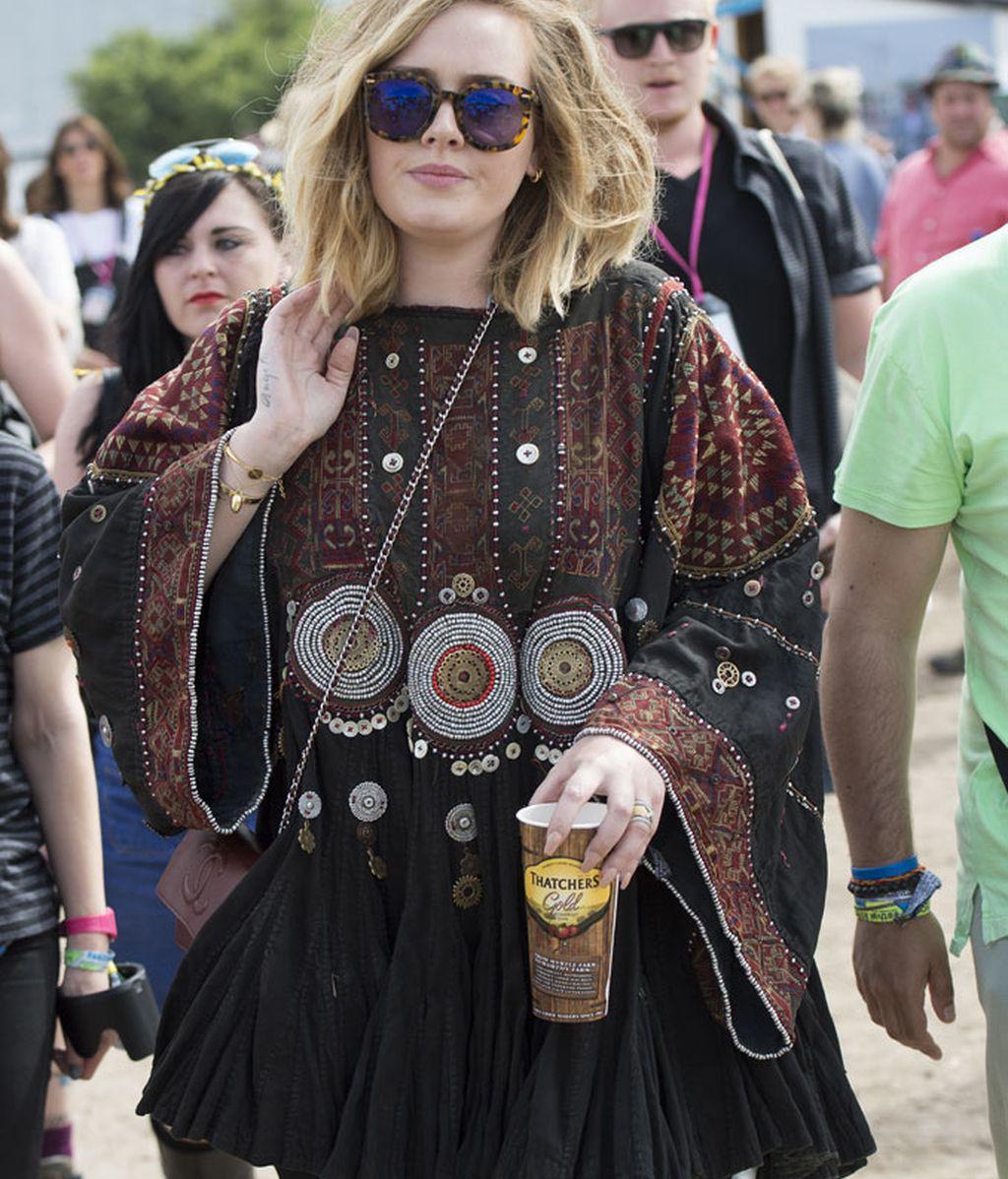 Adele con un 'look' de estilo étnico