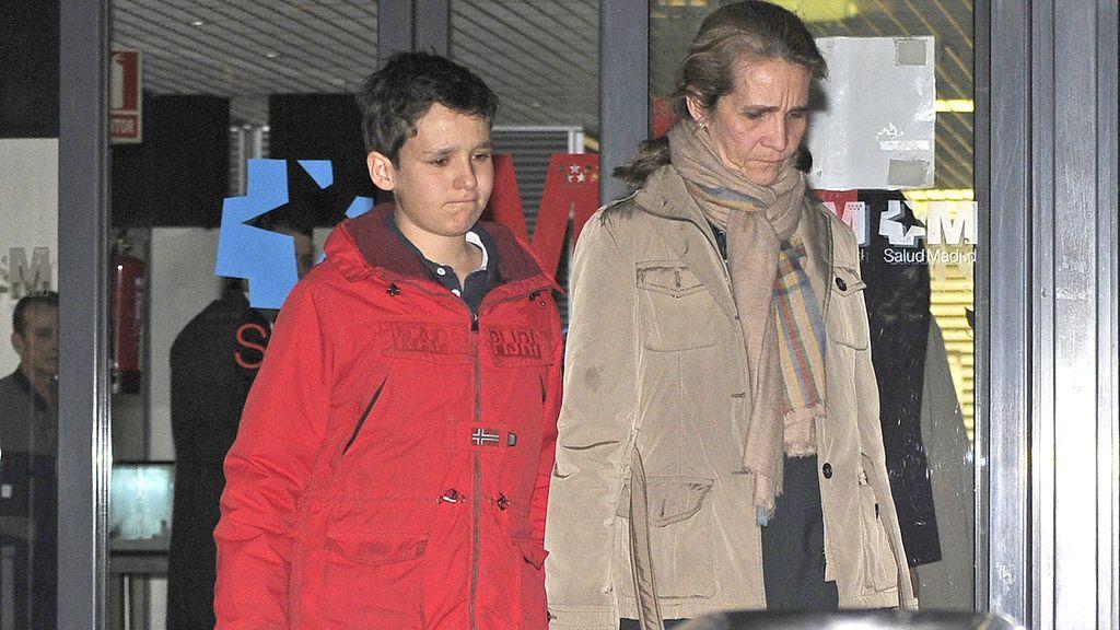 La infanta Elene apoya a su exmarido tras la muerte de su madre