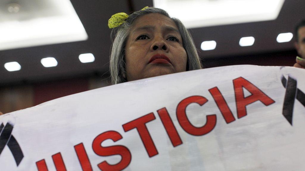 Los padres de los 43 estudiantes desaparecidos piden reunirse con Peña Nieto