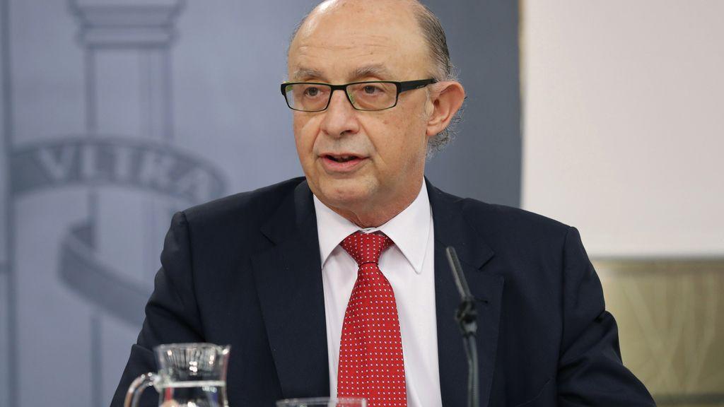 Cristóbal Montoro, ministro de Hacienda, en rueda de prensa