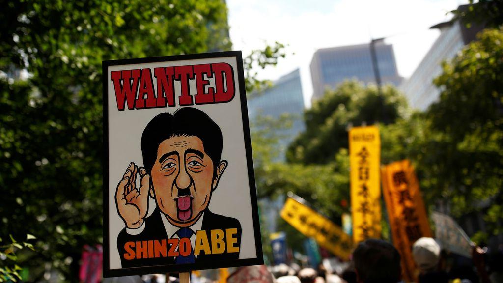 Protestas en contra de la política de gobierno en Tokyo