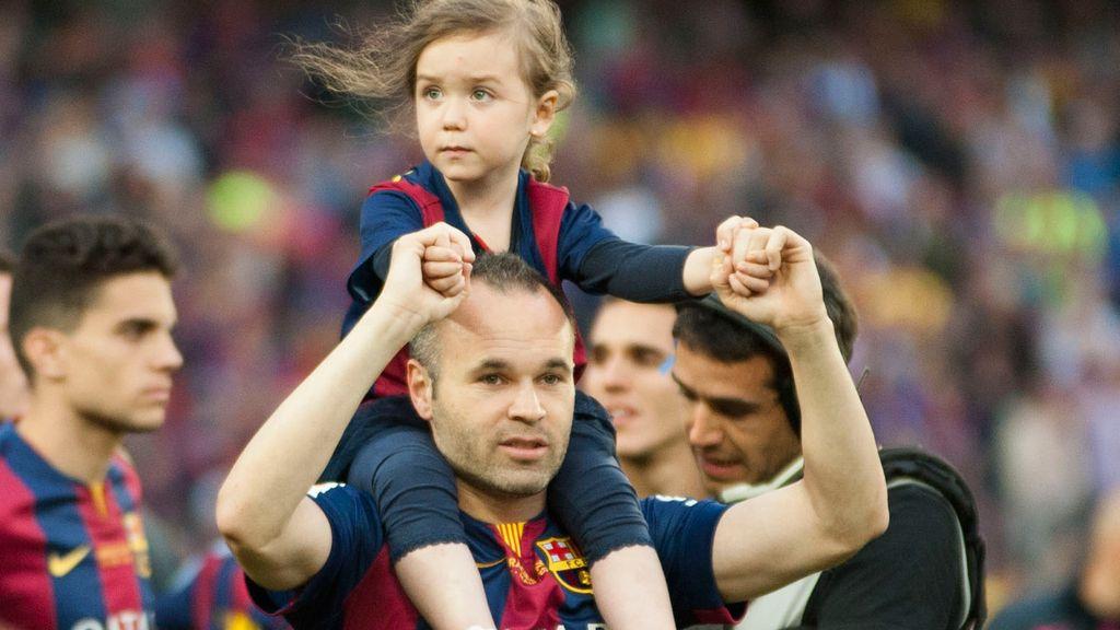 Andrés Iniesta con su hija Valeria