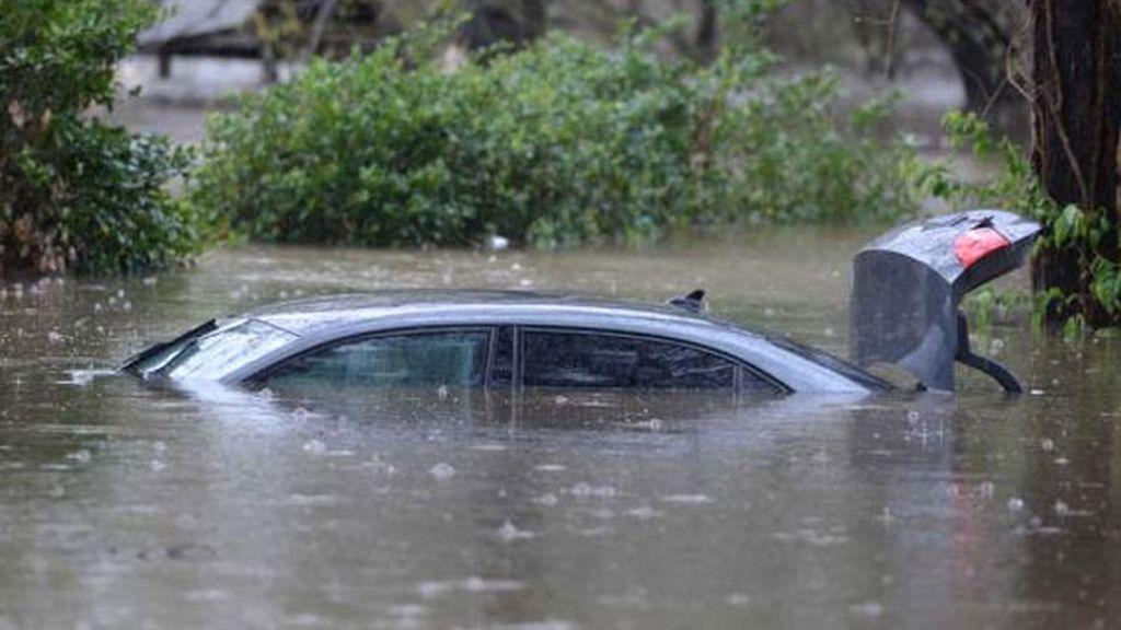 inundación, inundaciones, lluvias, coches inundaciones