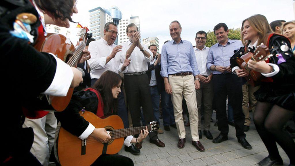 Rajoy y Fabra de paseo por Benidorm