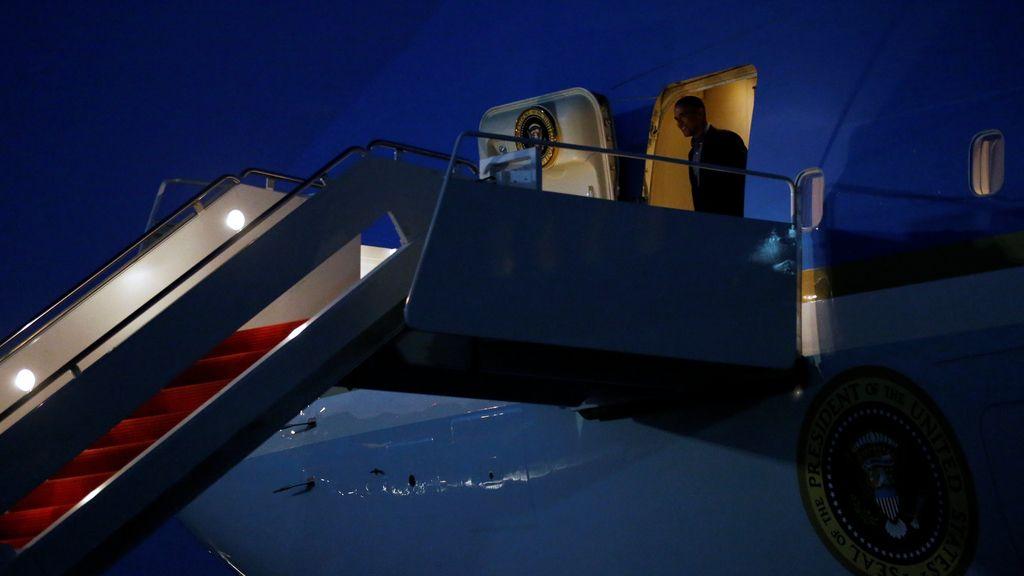 Barack Obama regresa a EEUU