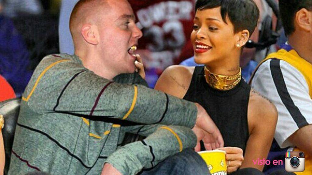 Hay pocas cosas más románticas que compartir las palomitas en el basket