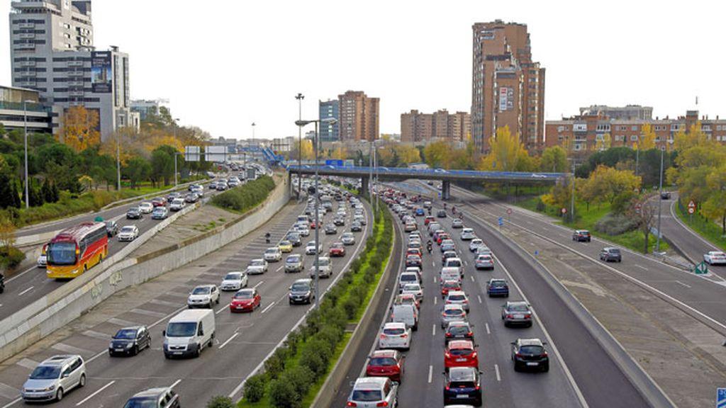 Varios accidentes complican las salidas de Madrid y Valencia en el puente