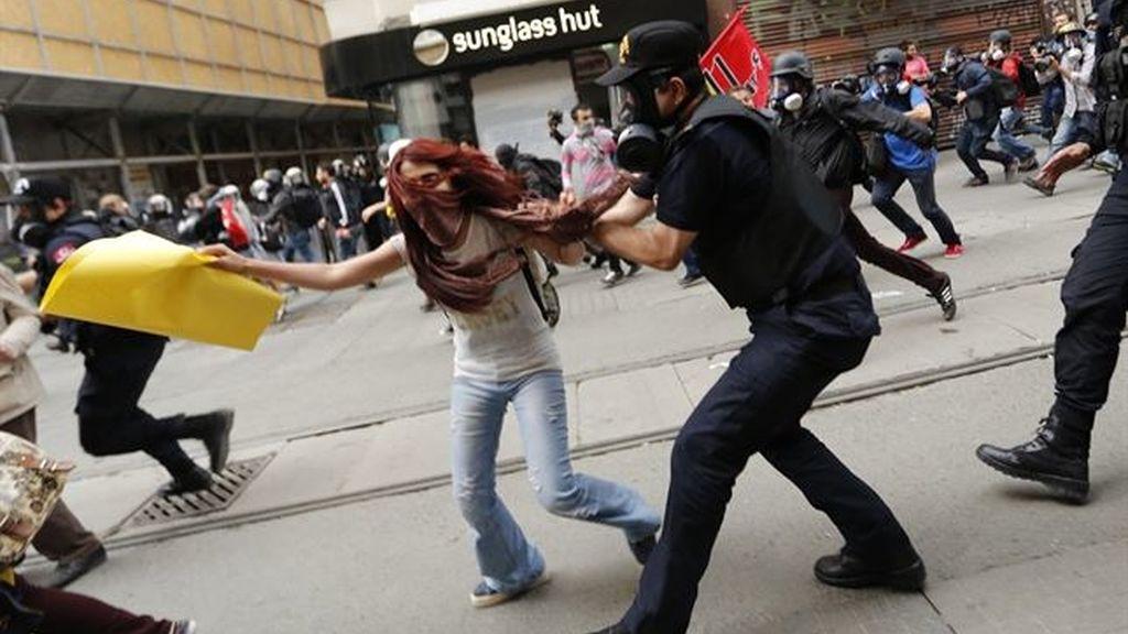 Más de 70 detenidos en los disturbios en el aniversario de las manifestaciones de Taksim