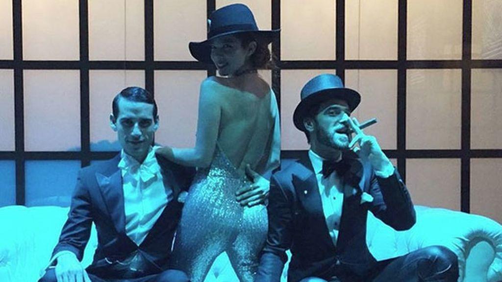 Daniel Duboy y Alfonso Bassave, el posado más sexy con la anfitriona