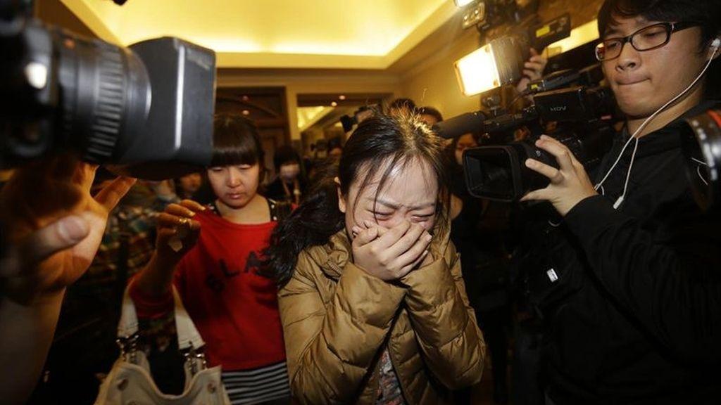 Malasia no descarta un ataque terrorista contra el avión desaparecido