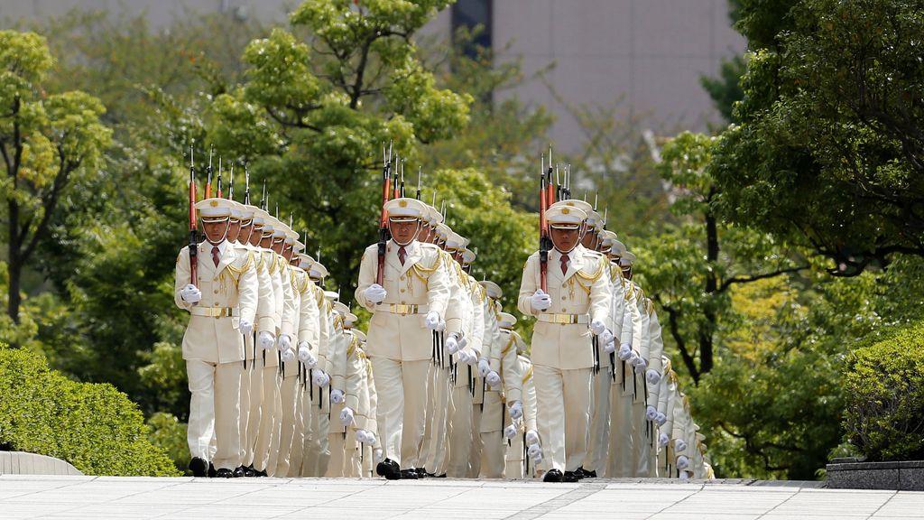 Un desfile militar en homenaje a Shinzo Abe