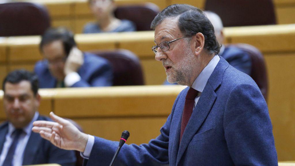 """Rajoy recomienda a Puigdemont que """"huya de los extremistas"""" de la CUP"""