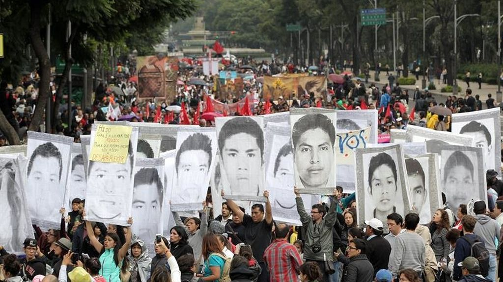 Los familiares de los 'normalistas' señalan al Gobierno mexicano como culpable del 'caso Iguala'