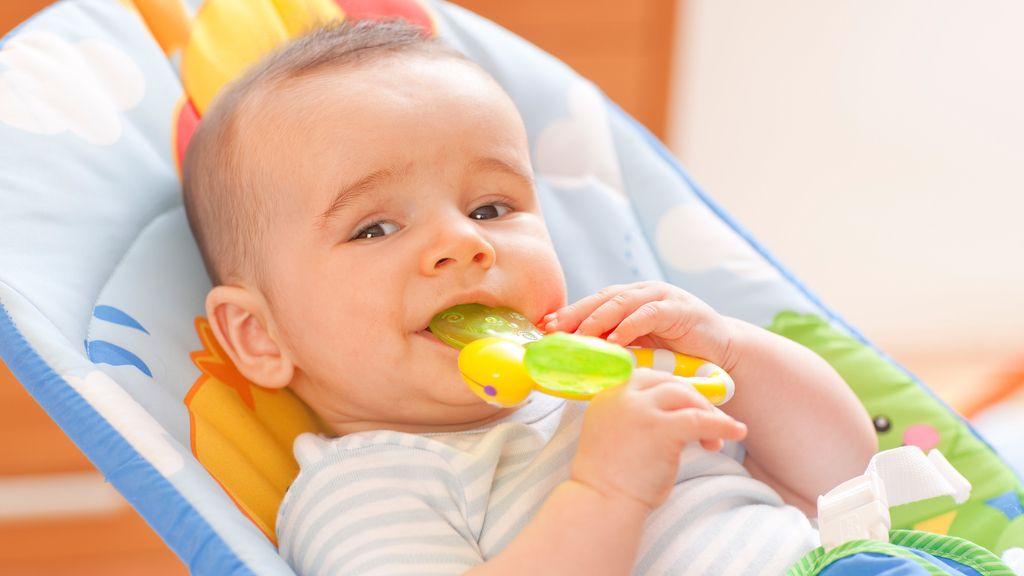 Detectan compuestos nocivos para la salud en mordedores de bebés