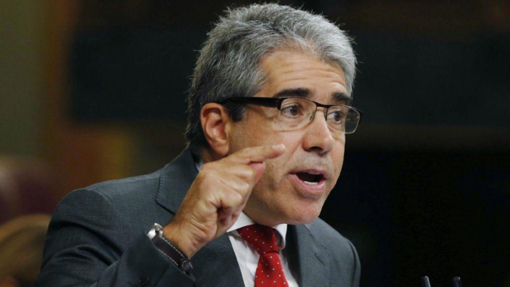 Homs cuestiona la independencia del Tribunal Constitucional y el Tribunal Supremo