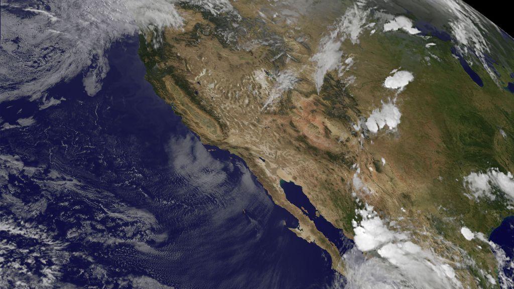 La NASA muestra a los americanos el huracán Newton