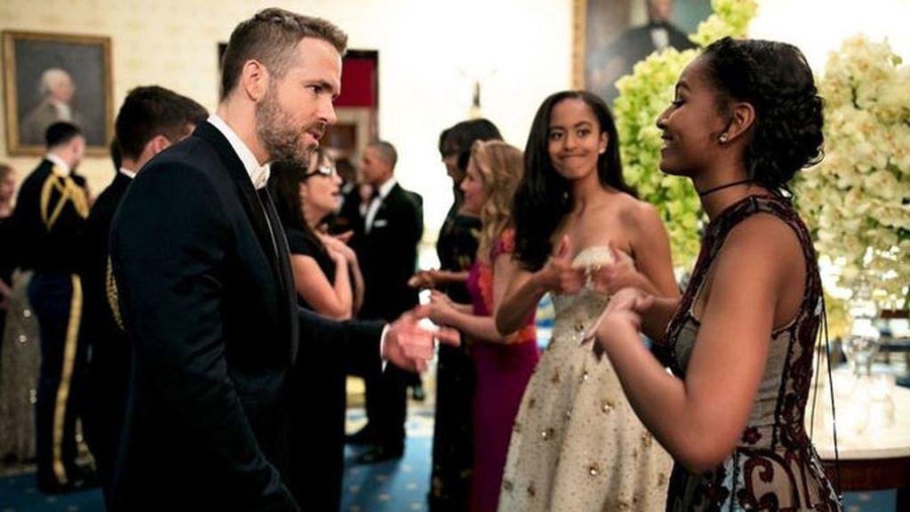 Las hijas de Obama reaccionaron al vera a Ryan Reynols como tú lo harías