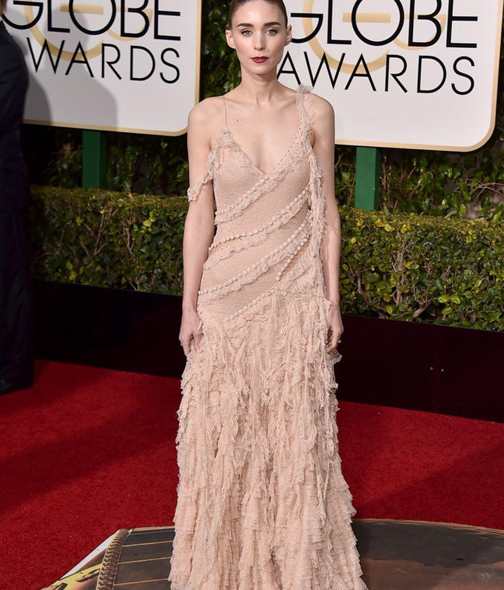 Rooney Mara con vestido de Alexander McQueen