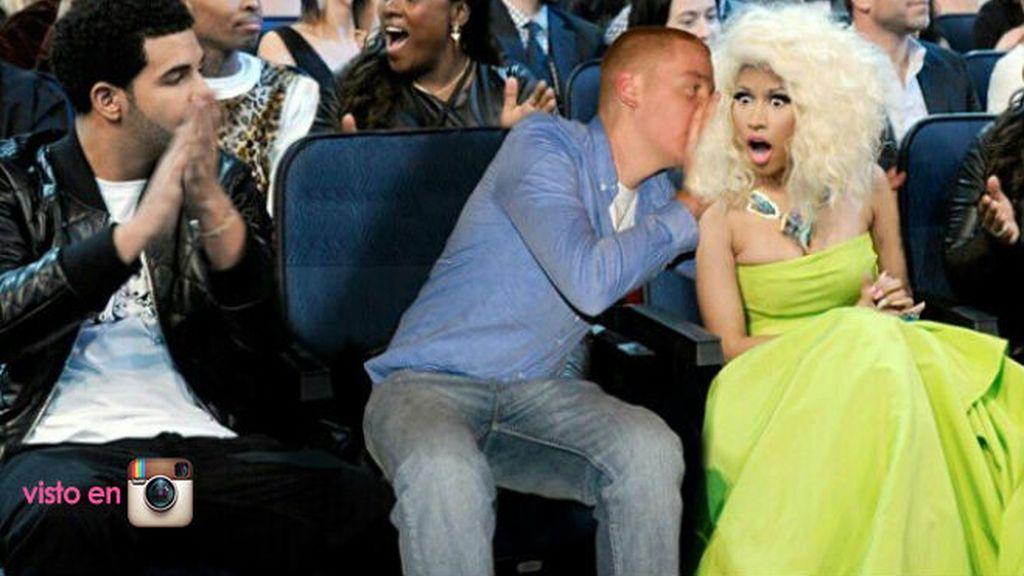 Este es el momento en el que PeejeT le cuenta a Nicky Minaj qué cojín ha usado para echar la siesta