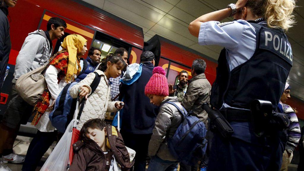 Unos 8.000 inmigrantes cruzan la frontera de Austria con Alemania en las últimas horas