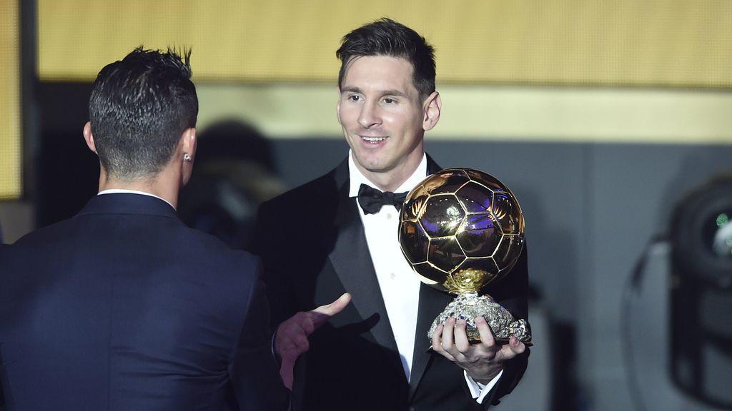 El saludo del relevo: Messi, quinto Balón de Oro (12/01/2016)