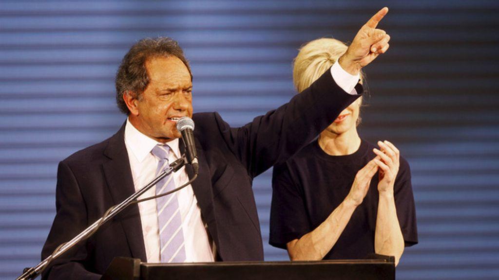 El candidato 'kirchnerista' Scioli vence las primarias en Argentina
