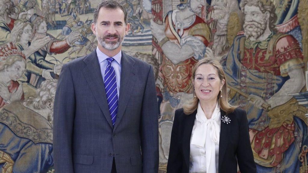 Felipe VI en la recepción de hoy a Ana Pastor