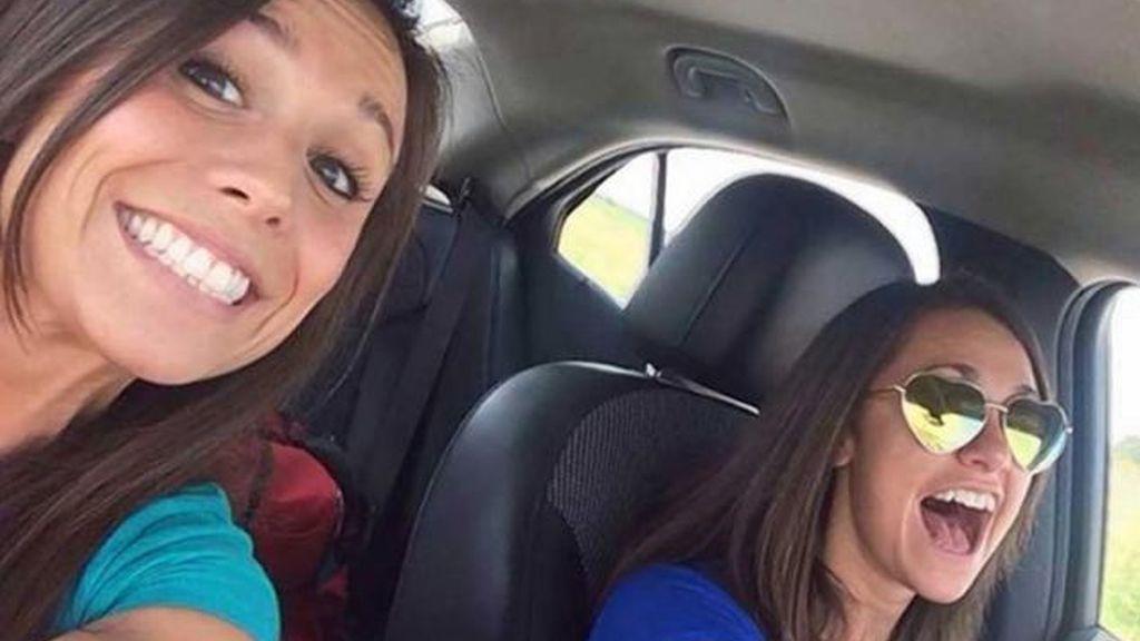 Muere en un accidente de tráfico después de hacerse un selfie con la conductora