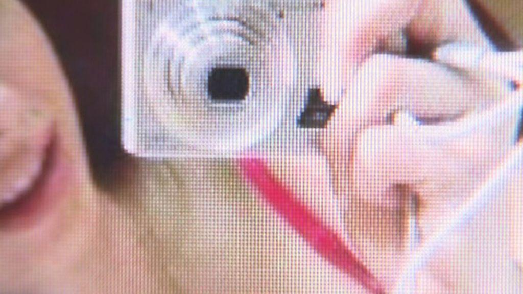Una menor de edad acusada de pornografía infantil por publicar 'selfies' sin ropa