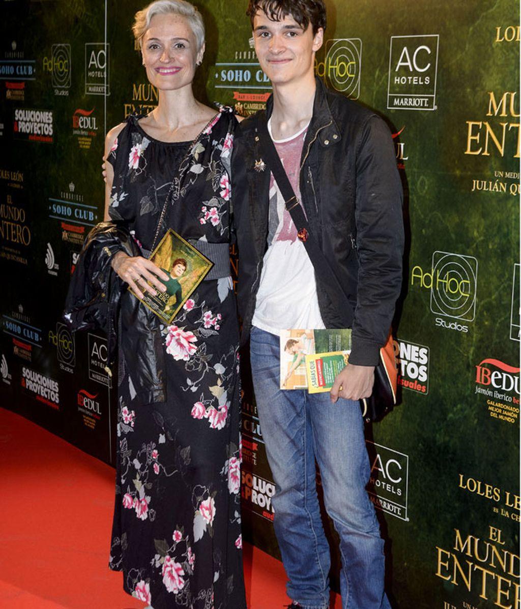 Laura Pamplona, junto a su hijo, el también actor Saúl Barceló