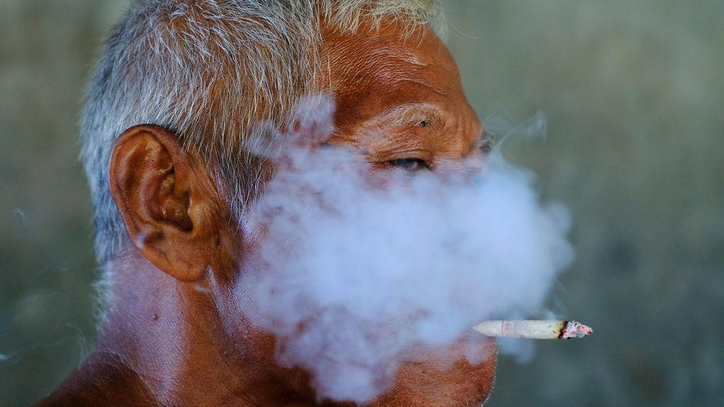 Cortina de humo sobre la cara