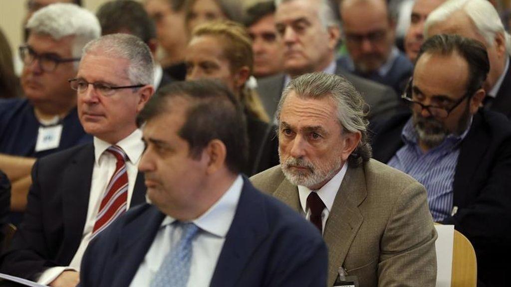 Francisco Correa y Luis Bárcenas, en el banquillo del caso Gürtel