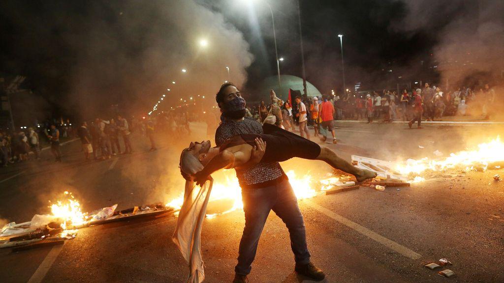 Violentas protestas en Brasil contra la política de Temer