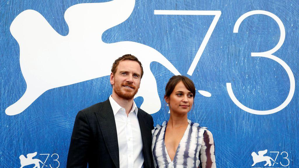 Alicia Vikander y Michael Fassbender, juntos en Venecia