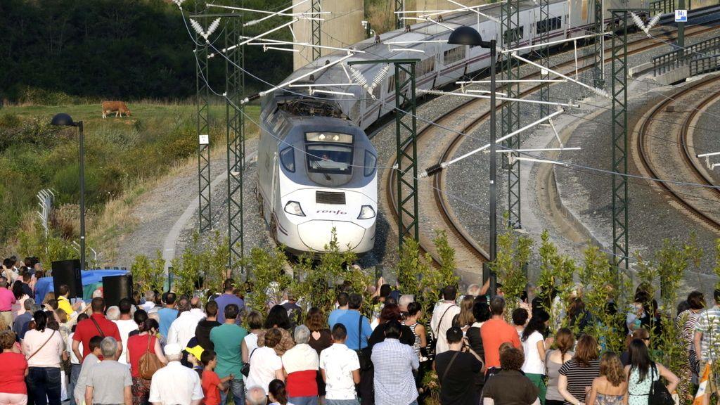 Homenaje en el primer aniversario de la tragedia ferroviaria de Angrois