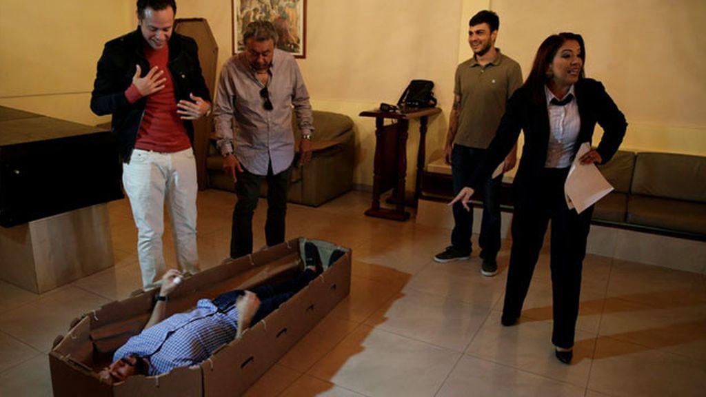 El 'ecoataúd', tendencia en Venezuela para una muerte 'barata'