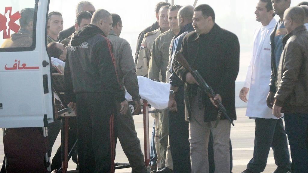 Mubarak, absuelto por la muerte de manifestantes durante la Primavera Egipcia