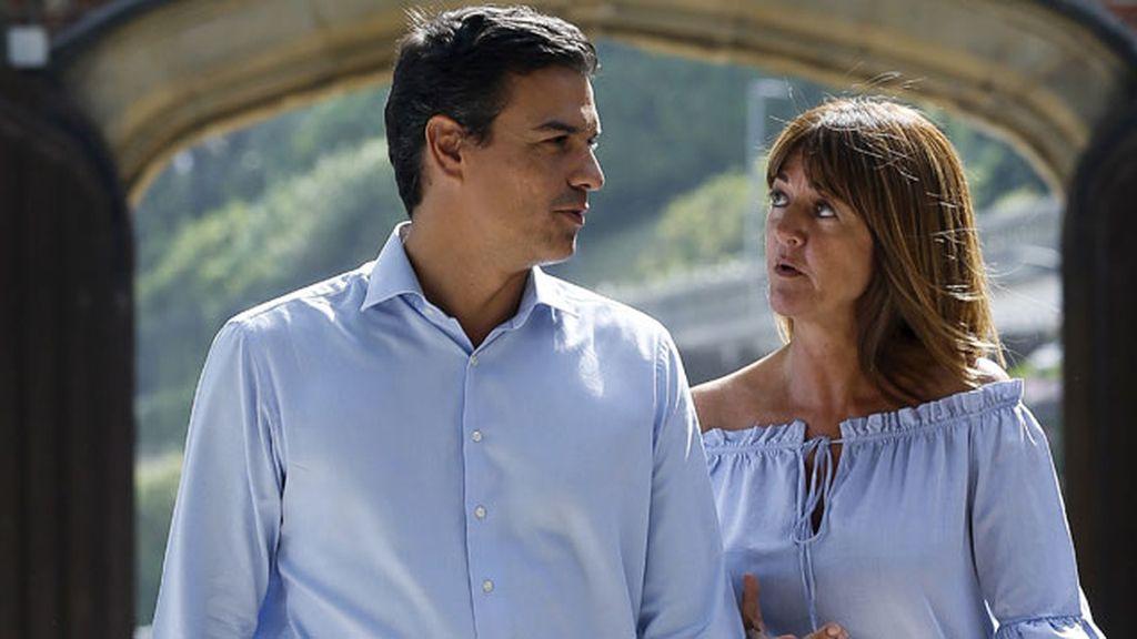 Pedro Sánchez, y la líder de la formación en Euskadi y candidata a lehendakari, Idoia Mendia