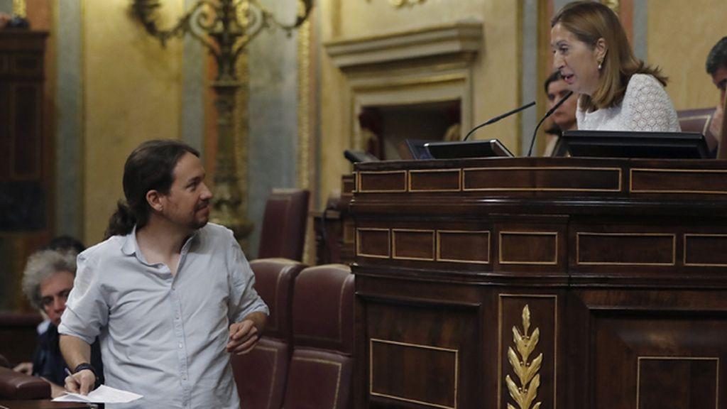 El PP defiende la actuación de Ana Pastor frente a Pablo Iglesias