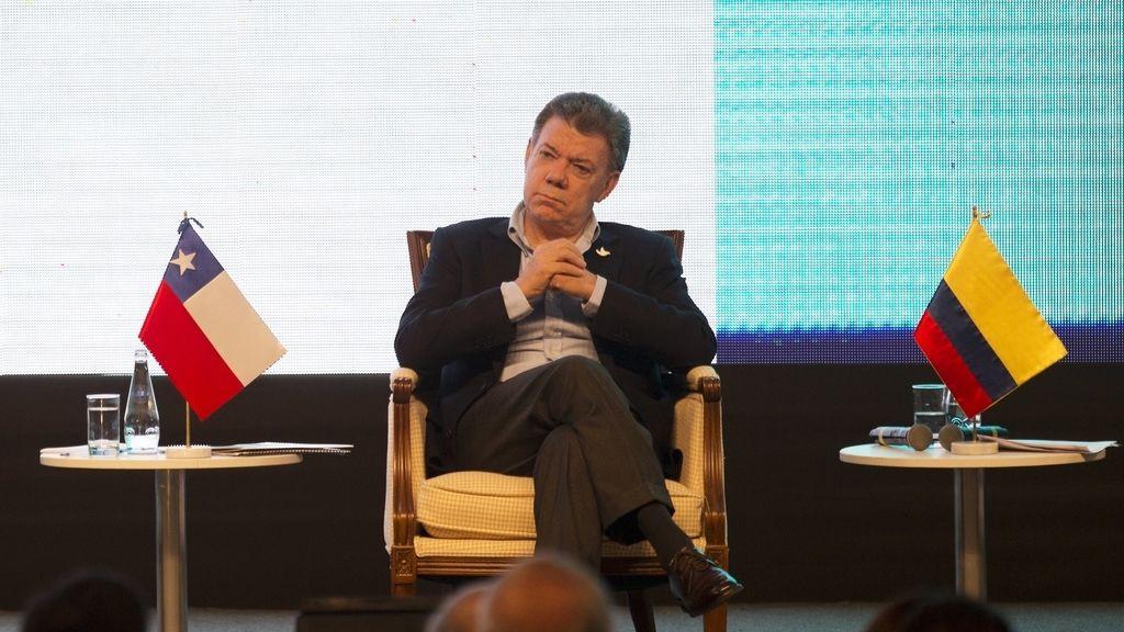 Santos ordena suspender los bombardeos a campamentos de las FARC