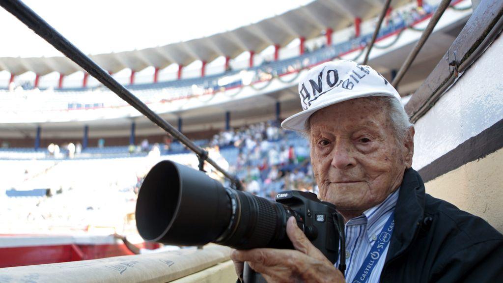 Fallece a los 103 años el histórico fotógrafo Francisco Cano 'Canito'